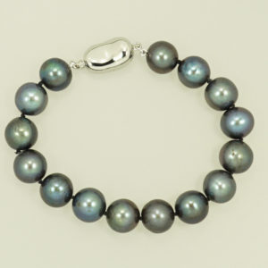 Black Freshwater Pearl Bracelet, Sterling Silver push clasp