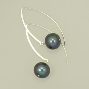 Black Freshwater Pearl long dangle hook earrings