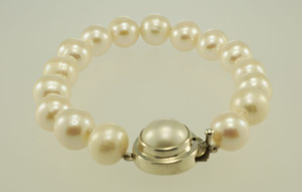 White Freshwater Pearl Bracelet with Sterling Silver Pearl set Clasp